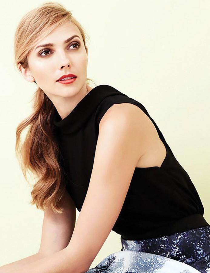 Ana Kuni model & artist. Photoshoot of model Ana Kuni demonstrating Face Modeling.Face Modeling Photo #145101