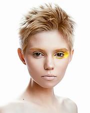 Ana Maria Ilinca model. Ana Maria Ilinca demonstrating Face Modeling, in a photoshoot with Makeup done by Ema Uta.makeup: Ema UtaFace Modeling Photo #200620