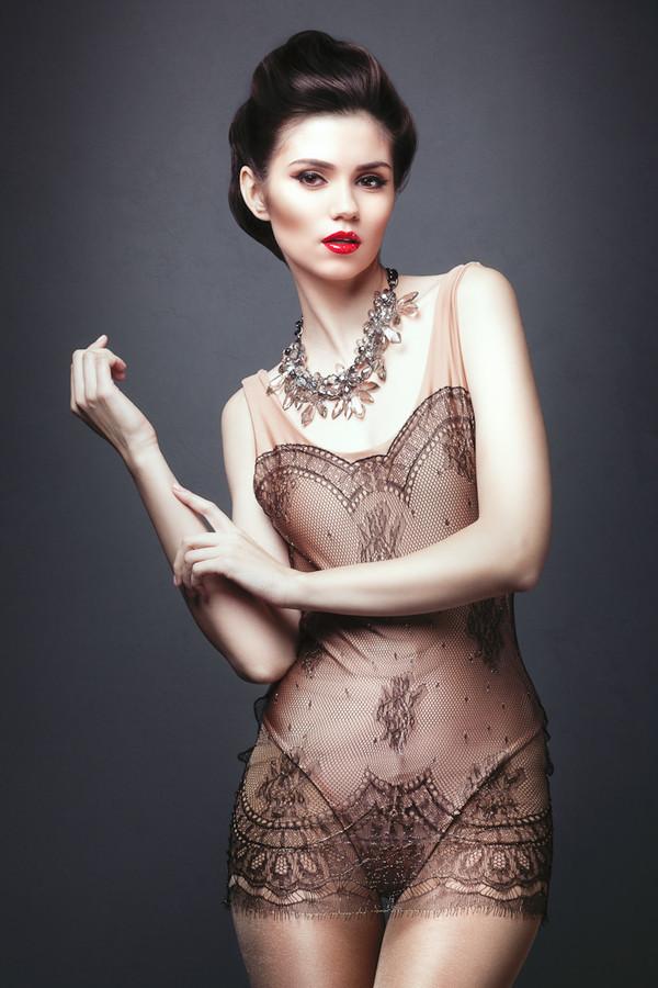 Ana Maria Ilinca model. Photoshoot of model Ana Maria Ilinca demonstrating Fashion Modeling.NecklaceFashion Modeling Photo #94675
