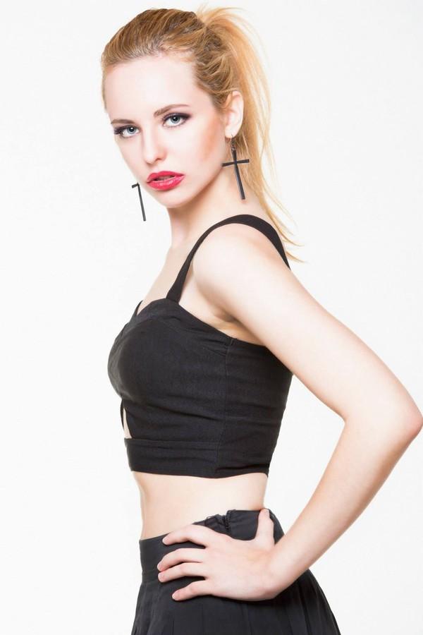 Anastasia Bondareva model (модель). Photoshoot of model Anastasia Bondareva demonstrating Face Modeling.Photograher: Charan SinghFace Modeling Photo #102939