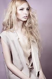 Anastasia Bondareva model (модель). Anastasia Bondareva demonstrating Fashion Modeling, in a photoshoot by Mari Quinatana.Fashion Modeling Photo #105507