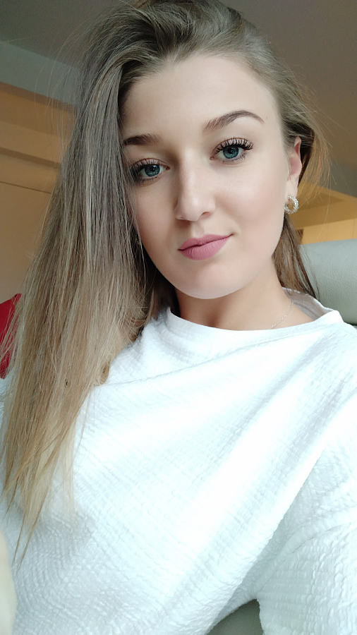 Anastasia Potapova model (μοντέλο). Photoshoot of model Anastasia Potapova demonstrating Face Modeling.Face Modeling Photo #206356