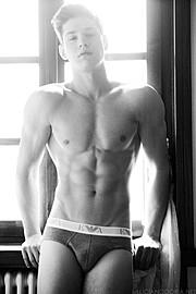 Andrea Moscon model (modello). Photoshoot of model Andrea Moscon demonstrating Body Modeling.Body Modeling Photo #95905