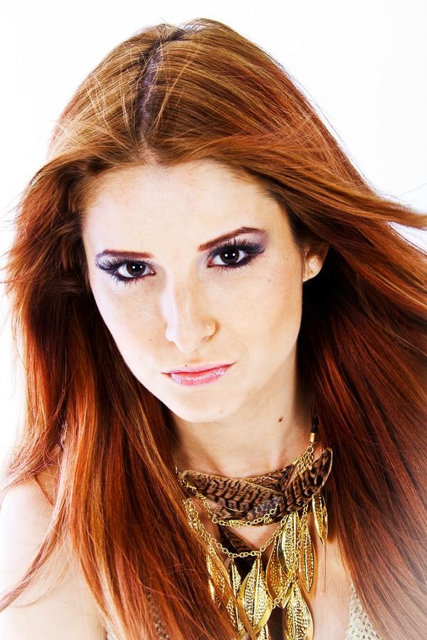 Andreea Lazar model. Photoshoot of model Andreea Lazar demonstrating Face Modeling.Face Modeling Photo #87615