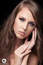 Andreea Raducu model. Andreea Raducu demonstrating Face Modeling, in a photoshoot by Andrei Ivan.photographer: Andrei IvanFace Modeling Photo #94737