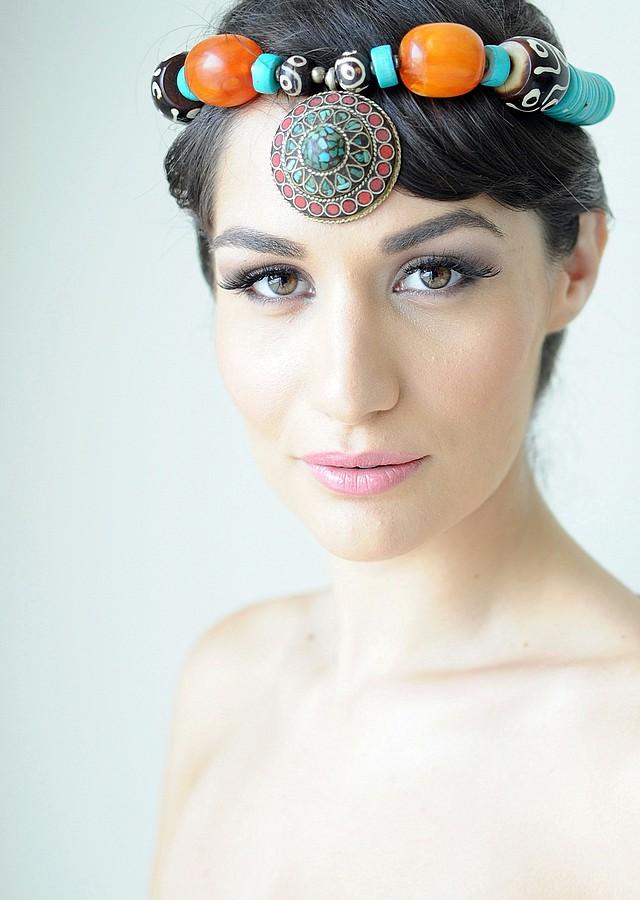Andreea Zoia model. Photoshoot of model Andreea Zoia demonstrating Face Modeling.Face Modeling Photo #121245