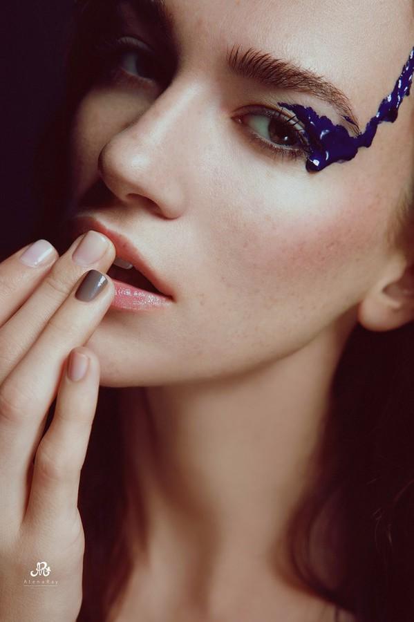 Anhen Bogomazova model (Анхен Богомазова модель). Anhen Bogomazova demonstrating Face Modeling, in a photoshoot by Alena Ray.Face Modeling Photo #117769