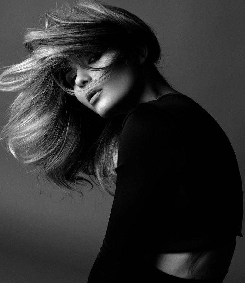 Aniko Vago model. Photoshoot of model Aniko Vago demonstrating Face Modeling.Face Modeling Photo #75683