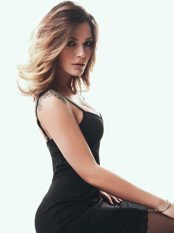 Aniko Vago Model
