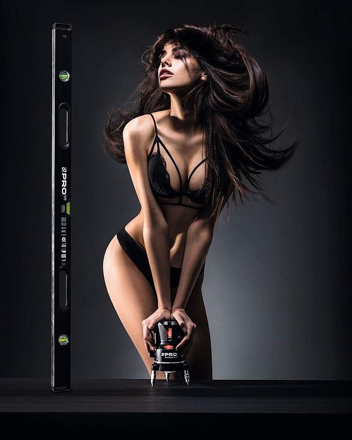 Anita Sikorska model (modelka). Photoshoot of model Anita Sikorska demonstrating Body Modeling.Body Modeling Photo #173759