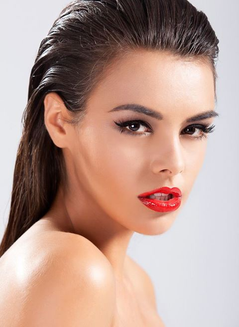 Anita Sikorska model (modelka). Anita Sikorska demonstrating Face Modeling, in a photoshoot by Ewelina Darnowska.photographer: Ewelina DarnowskaFace Modeling Photo #96036