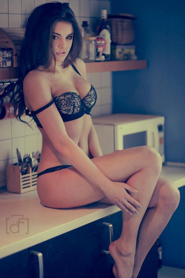 Anita Sikorska model (modelka). Photoshoot of model Anita Sikorska demonstrating Body Modeling.Body Modeling Photo #96114