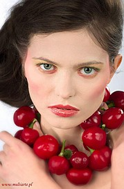 Anna Grzelczak model (modelka). Photoshoot of model Anna Grzelczak demonstrating Face Modeling.Face Modeling Photo #105458