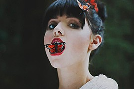 Anna Vega model. Photoshoot of model Anna Vega demonstrating Face Modeling.Face Modeling Photo #102759