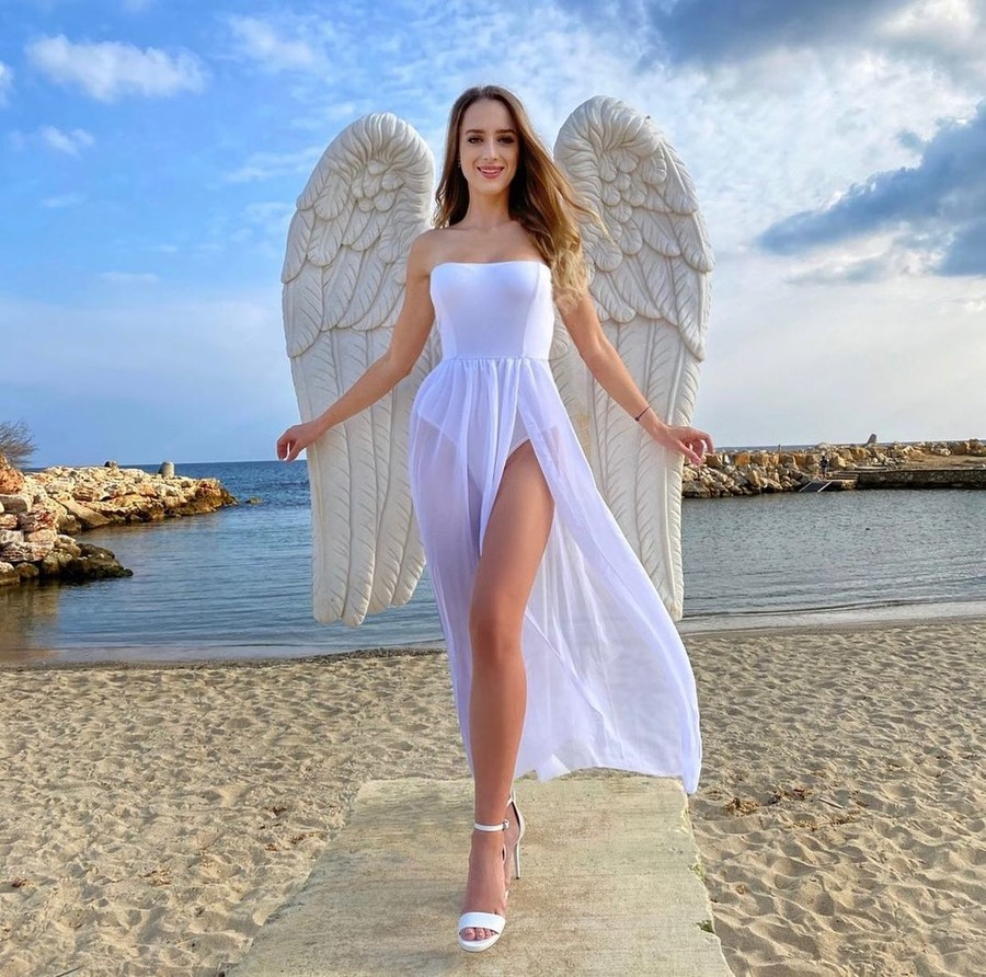 Annabella Fleck model (modell). Photoshoot of model Annabella Fleck demonstrating Fashion Modeling.Fashion Modeling Photo #231451
