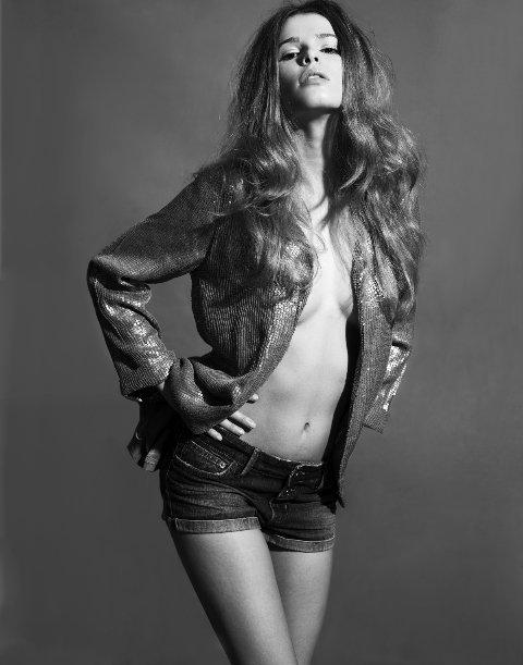 Annie Brown fashion stylist. styling by fashion stylist Annie Brown.Fashion Styling Photo #60314