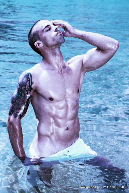 Antonis Fostieris model (μοντέλο). Photoshoot of model Antonis Fostieris demonstrating Body Modeling.Body Modeling Photo #115366