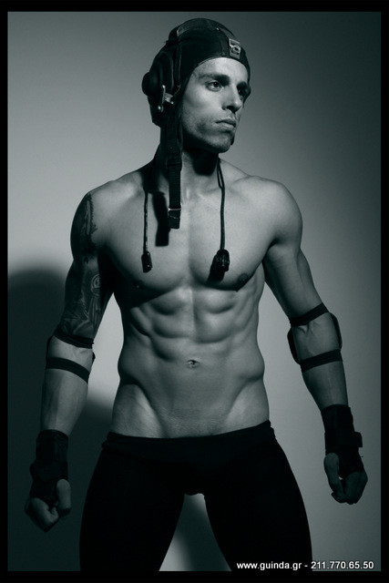 Antonis Fostieris model (μοντέλο). Photoshoot of model Antonis Fostieris demonstrating Body Modeling.Body Modeling Photo #115367