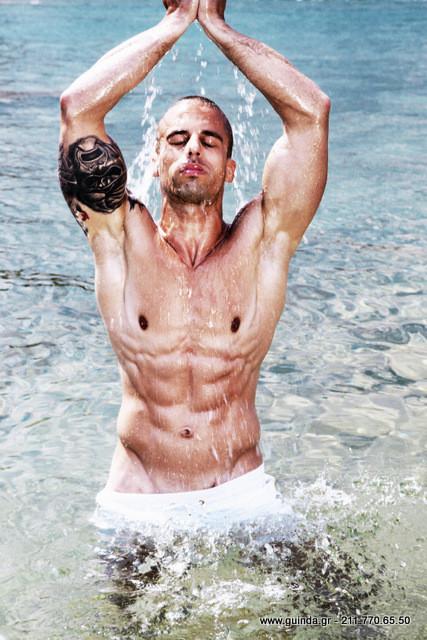 Antonis Fostieris model (μοντέλο). Photoshoot of model Antonis Fostieris demonstrating Body Modeling.Body Modeling Photo #115370