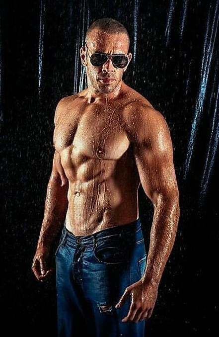 Apostolos Papagiannis model (μοντέλο). Apostolos Papagiannis demonstrating Body Modeling, in a photoshoot by Panagiotis Assonitis.photographer: Panagiotis AssonitisBody Modeling Photo #195827