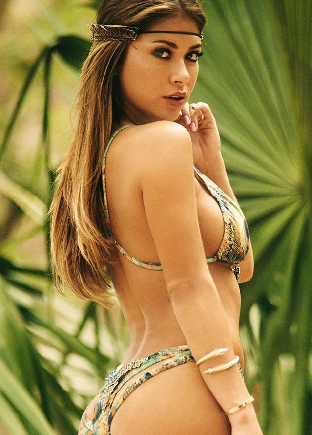 Arianny Celeste model. Photoshoot of model Arianny Celeste demonstrating Body Modeling.Body Modeling Photo #160211