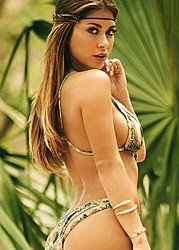 Arianny Celeste model. Photoshoot of model Arianny Celeste demonstrating Body Modeling.Body Modeling Photo #160236