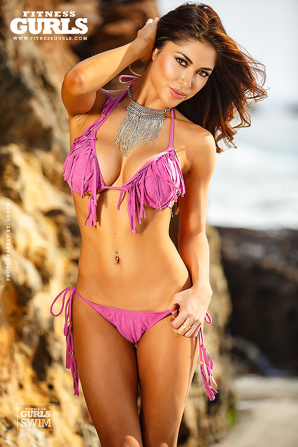 Arianny Celeste model. Photoshoot of model Arianny Celeste demonstrating Body Modeling.Body Modeling Photo #160248