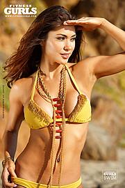 Arianny Celeste model. Photoshoot of model Arianny Celeste demonstrating Face Modeling.NecklaceFace Modeling Photo #160251