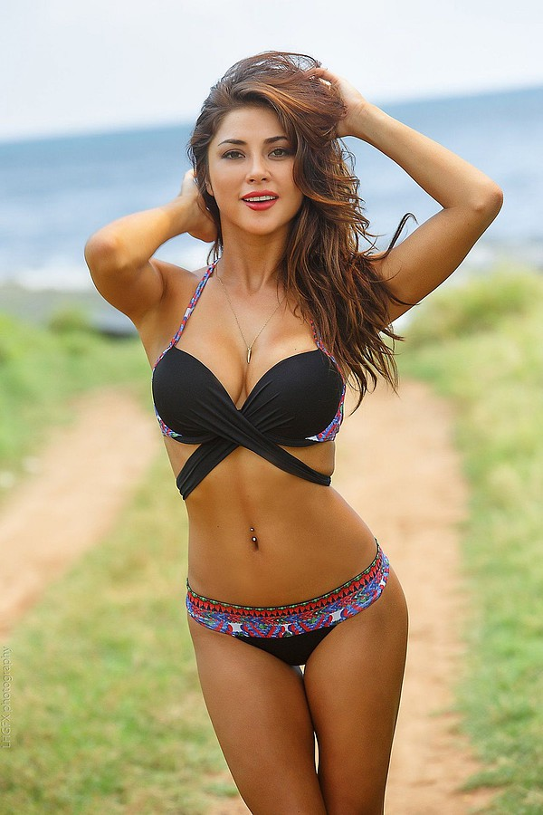 Arianny Celeste model. Photoshoot of model Arianny Celeste demonstrating Body Modeling.Body Modeling Photo #160258