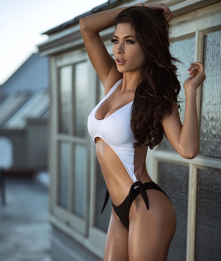 Arianny Celeste model. Photoshoot of model Arianny Celeste demonstrating Fashion Modeling.Fashion Modeling Photo #169357