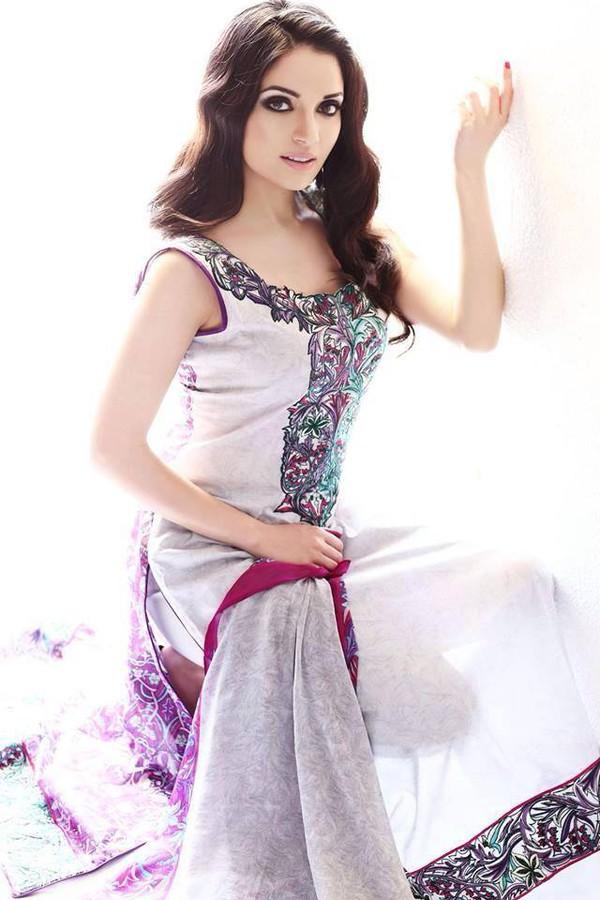 Armeena Rana Khan model & actress. Photoshoot of model Armeena Rana Khan demonstrating Fashion Modeling.Fashion Modeling Photo #122930