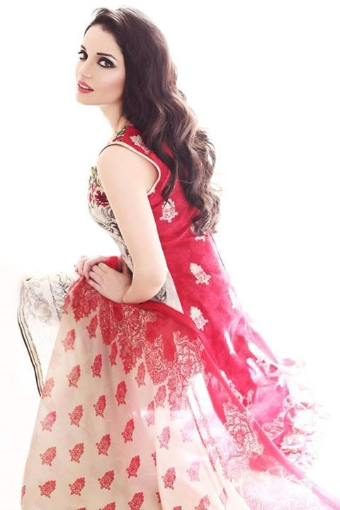 Armeena Rana Khan model & actress. Photoshoot of model Armeena Rana Khan demonstrating Fashion Modeling.Fashion Modeling Photo #122932