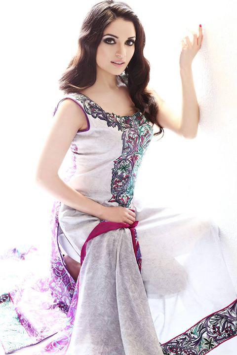 Armeena Rana Khan model & actress. Photoshoot of model Armeena Rana Khan demonstrating Fashion Modeling.Fashion Modeling Photo #122942