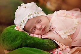 Arnisa Skapi photographer (fotografe). Work by photographer Arnisa Skapi demonstrating Baby Photography.Baby Photography Photo #220801