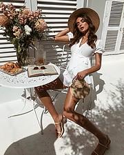 Ashleigh Kelly fashion stylist. styling by fashion stylist Ashleigh Kelly.Editorial Styling Photo #227364