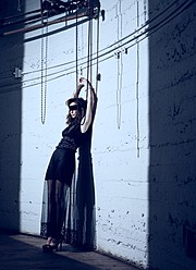 Ashley Brooke Mitchell model (modèle). Photoshoot of model Ashley Brooke Mitchell demonstrating Body Modeling.Body Modeling Photo #73205