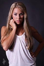 Ashley Sarina Hoffmann fitness model. Photoshoot of model Ashley Sarina Hoffmann demonstrating Face Modeling.Face Modeling Photo #104693