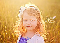Sweet Bloom Photography is a natural light photography studio located in the antique district of Waynesville, Ohio. We specialize in newborn