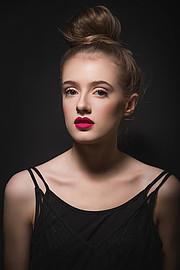 Asthildur Gunnlaugsdottir is a professional freelance makeup and airbrush artist in Iceland. Asthildur specializes in beauty, fashion, brida