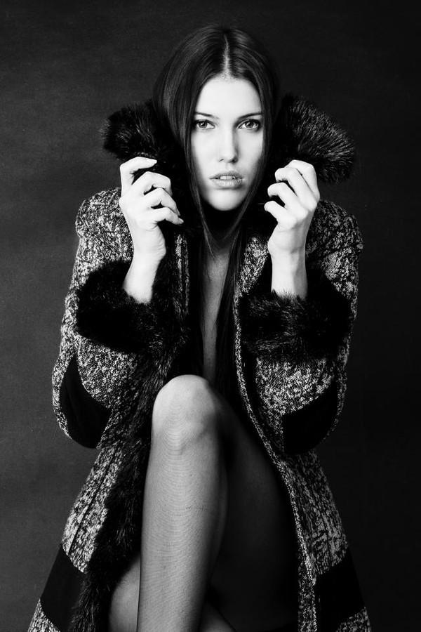 Audrey Balogh model. Photoshoot of model Audrey Balogh demonstrating Face Modeling.Face Modeling Photo #75757