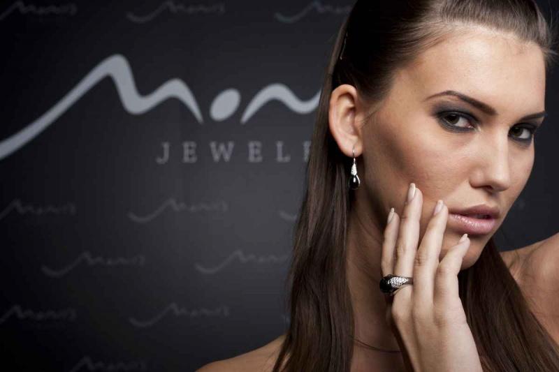 Audrey Balogh model. Photoshoot of model Audrey Balogh demonstrating Face Modeling.Face Modeling Photo #75758
