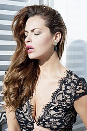 Audrey Bouette model (Audrey Bouetté modèle). Photoshoot of model Audrey Bouette demonstrating Face Modeling.Audrey BouettéFace Modeling Photo #166919