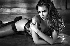 Audrey Bouette model (Audrey Bouetté modèle). Photoshoot of model Audrey Bouette demonstrating Body Modeling.Body Modeling Photo #167081