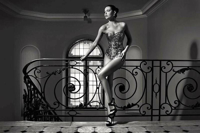 Audrey Bouette model (Audrey Bouetté modèle). Photoshoot of model Audrey Bouette demonstrating Fashion Modeling.COUTURE AUDREY BOUETTECorsetFashion Modeling Photo #179183