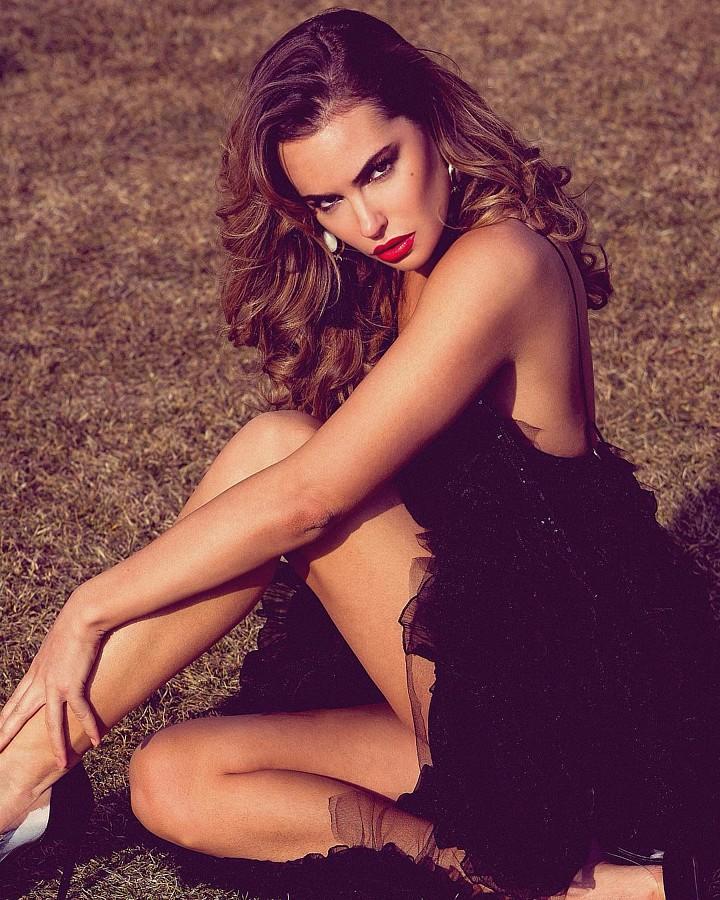 Audrey Bouette model (Audrey Bouetté modèle). Photoshoot of model Audrey Bouette demonstrating Fashion Modeling.Fashion Modeling Photo #214728
