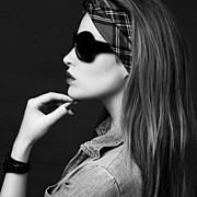 Audrey Bouette model (Audrey Bouetté modèle). Photoshoot of model Audrey Bouette demonstrating Face Modeling.Face Modeling Photo #96965