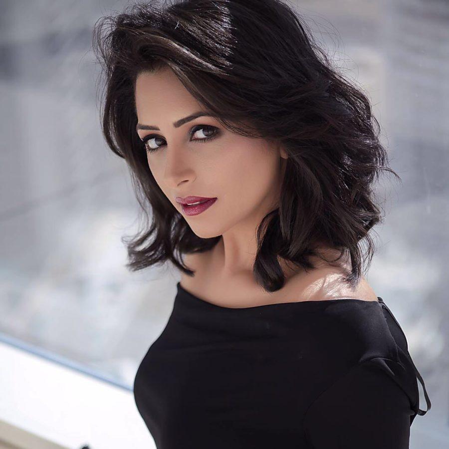 Aya Helmi model. Photoshoot of model Aya Helmi demonstrating Face Modeling.Face Modeling Photo #205096