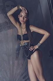 Barbara Bocsi model. Photoshoot of model Barbara Bocsi demonstrating Body Modeling.Body Modeling Photo #75629