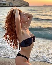 Beatrice Frasson model (modella). Photoshoot of model Beatrice Frasson demonstrating Body Modeling.Body Modeling Photo #214720