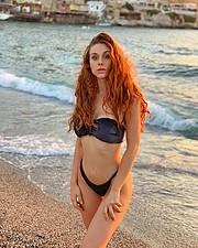 Beatrice Frasson model (modella). Photoshoot of model Beatrice Frasson demonstrating Body Modeling.Body Modeling Photo #214722